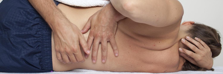 Мануальная терапия – что это такое, лечение мануальной терапией, показания и противопоказания